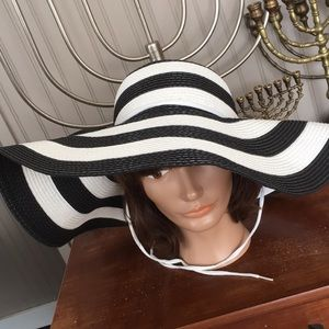 Vintage Black & White Derby Wide Brim Hat
